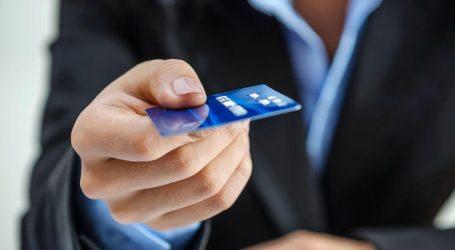 Μετρητά τέλος – Οι Έλληνες πληρώνουν με 16,3 εκατ. κάρτες