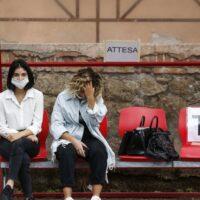 Ιταλία: Έξαρση κορονοϊού - Τοπικά lockdown μετά τα 49 κρούσματα
