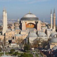 Αγιά Σοφιά: Τούρκος θεολόγος αποδομεί τη ρητορική Ερντογάν