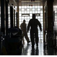 Κορωνοϊός – Ανησυχία στους ειδικούς: Επόμενο βήμα τα οριζόντια μέτρα και τα τοπικά lockdown - «Να είμαστε έτοιμοι για το Plan B»