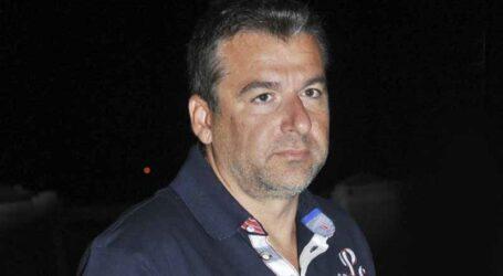 Γιώργος Λιάγκας: Με εντυπωσιακή μελαχρινή συνοδό στα Κουφονήσια! (βίντεο)