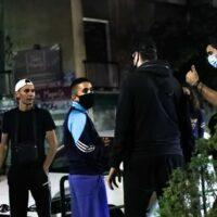 Κορονοϊός: Επιχείρηση της αστυνομίας στην πλατεία Βαρνάβα με ντουντούκες κατά συνωστισμού [εικόνες - βίντεο]