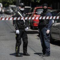 Συλλήψεις από την αντιτρομοκρατική για όπλα και εκρηκτικά