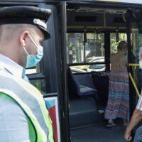 Κορονοϊός: Στο «κόκκινο» ξανά η χώρα - Συναγερμός για τις «βόμβες» διασποράς