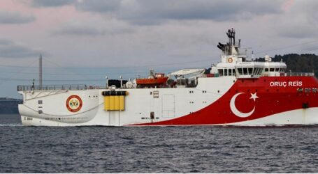 Oruc Reis: Πλέει στα 12 ναυτικά μίλια από το Καστελόριζο – Συναγερμός στις Ένοπλες Δυνάμεις