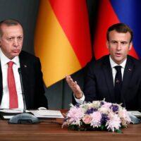 Εμπρηστικός Ερντογάν: «Ναζιστές και φασίστες οι Ευρωπαίοι που στηρίζουν Μακρόν» - Κάλεσε σε μποϊκοτάζ των γαλλικών προϊόντων