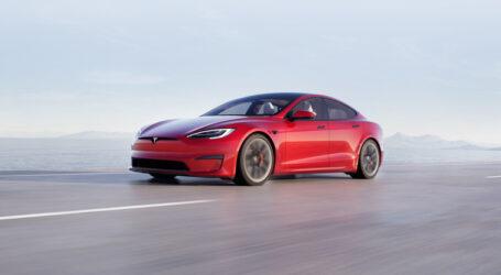 """Κίνα: Τα """"Tesla cars"""" απαγορεύεται να παρκάρουν κοντά σε στρατιωτικές βάσεις"""