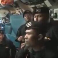 Ινδονησία: Το πλήρωμα του υποβρυχίου που βούλιαξε τραγουδά «αντίο» - Δείτε βίντεο
