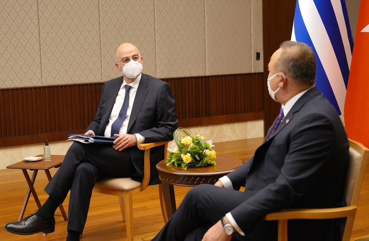 https://cdn.cnngreece.gr/media/news/2021/04/15/262270/photos/snapshot/erdogan-dendias-tsavousoglou-24052229.jpg