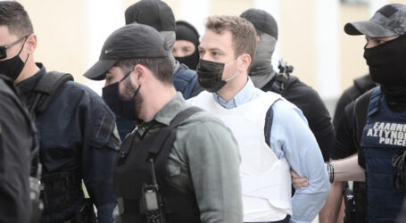Γλυκά Νερά: Ξεκίνησε η απολογία του Αναγνωστόπουλου – «Να σαπίσεις στη φυλακή δολοφόνε», του φώναζαν