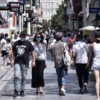 Κορωνοϊός: Τέλος οι μάσκες σε εξωτερικούς χώρους - Αλλαγές στην καθημερινότητα από Δευτέρα